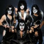 Video de musica de Kiss - Heavens on Fire