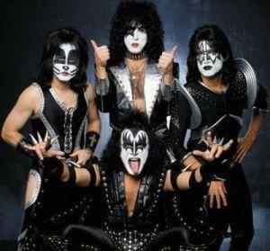 Video de musica de Kiss - Heavens on Fire