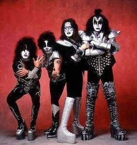 Letra de la canción Rock and Roll All Night, de Kiss