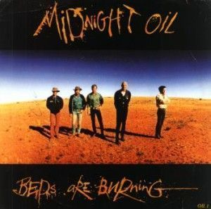 Vídeo de música de Midnight Oil - Beds Are Burning