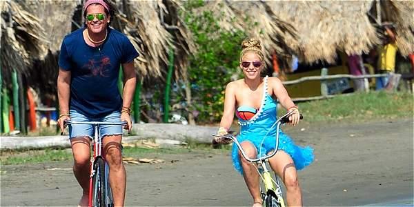 Shakira y Carlos Vives estrenan La Bicicleta